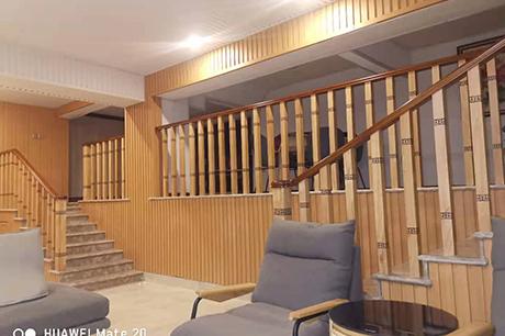 别墅实木楼梯定制