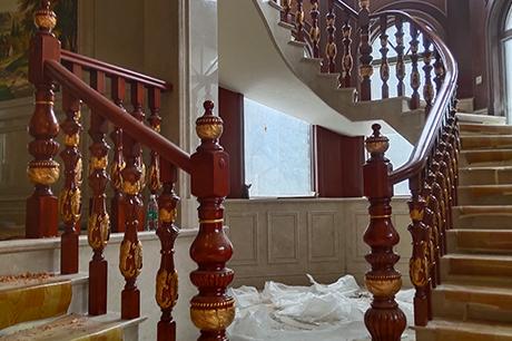 简欧别墅实木楼梯