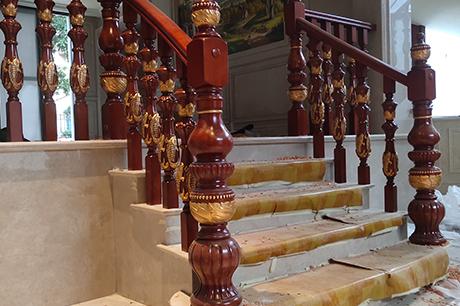 别墅中式楼梯