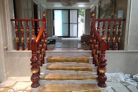 重庆别墅实木楼梯