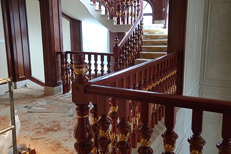 实木楼梯扶手安装