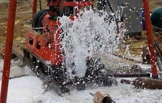 防止钻井机井架的塌陷很有必要