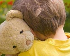 我们应该如何鉴别真假自闭症