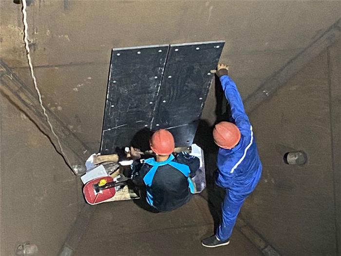 煤仓衬板如何安装