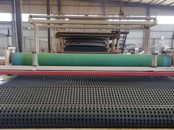 四川防排水板生产设备,成都防排水板生产设备