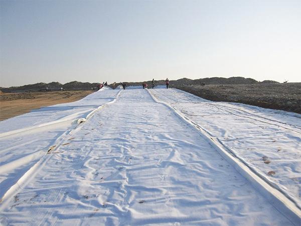 雅叶高速土工布公路养护案例