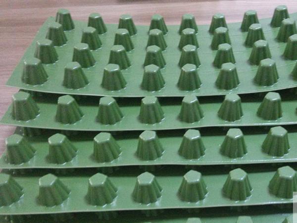 凸壳型防排水板