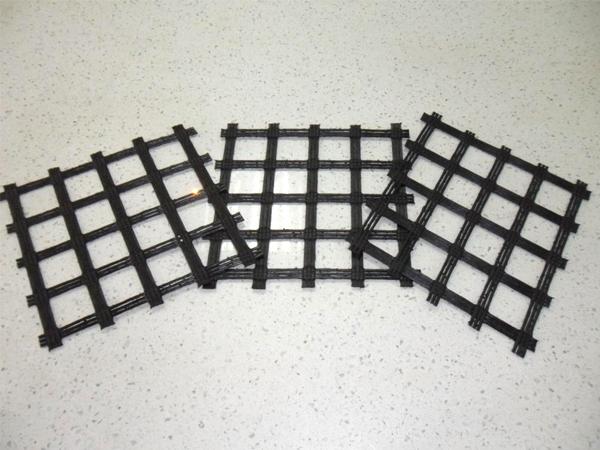 成都聚酯经编涤纶土工格栅