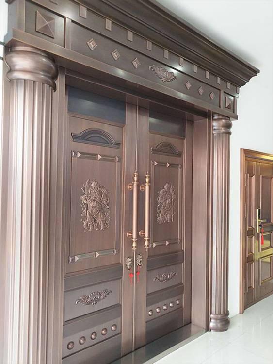 着色后的湖南玻璃铜门拥有了美丽的外表更具有美感,观赏价值也提高了