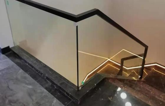 复式玻璃楼梯