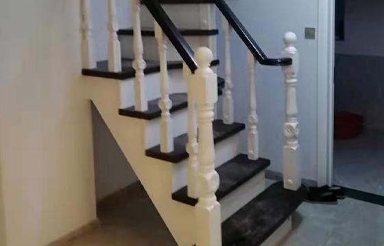 高档实木楼梯