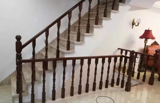 新款实木楼梯扶手