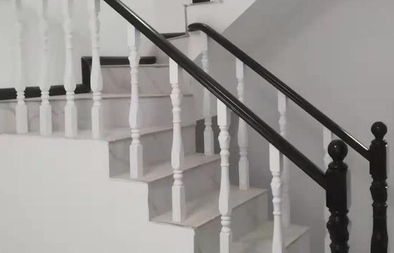 实木楼梯立柱扶手