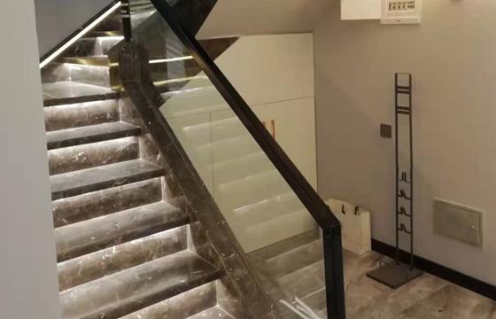 大理石玻璃楼梯