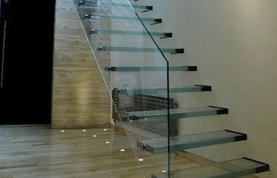 简约时尚现代风--玻璃楼梯