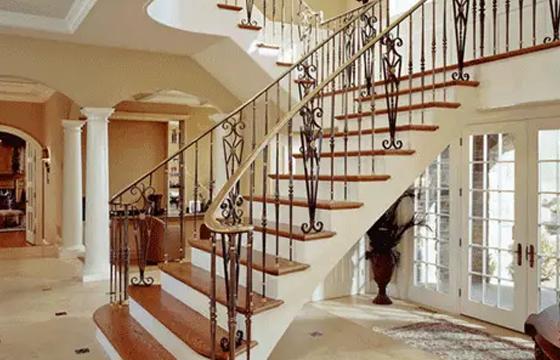 铁艺楼梯如何?浅析沈阳铁艺楼梯设计