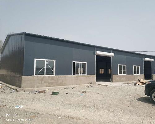 灰色彩钢厂房