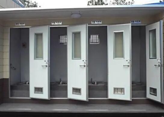 移动厕所的排泄物怎么处理?