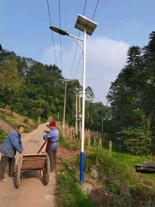 告诉大家为什么说乐山农村、乡村道路适合太阳能路灯施工