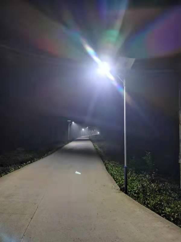 太阳能路灯的LED光源进水了不亮,是怎么回事?自贡太阳能路灯厂家告诉你