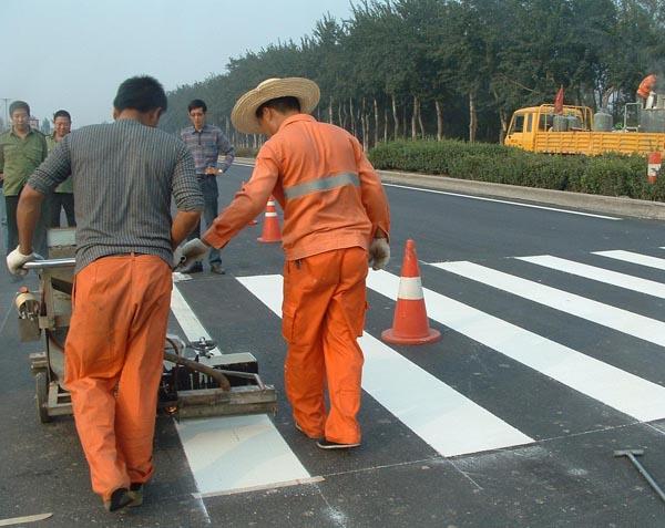 石林县人行斑马线标线工程