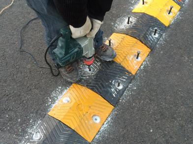 石林县道路减速带建设工程