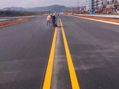 石林道路双实线划线工程