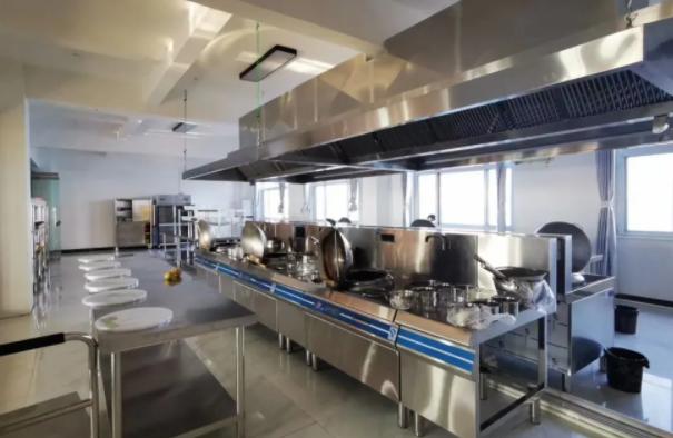 「商用厨具」的清洁及保养方法