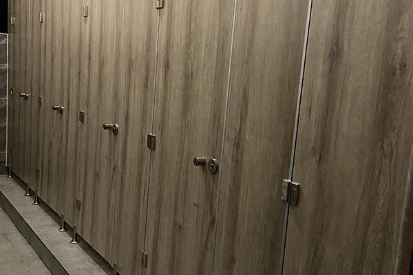 蜂窝板卫生间隔断