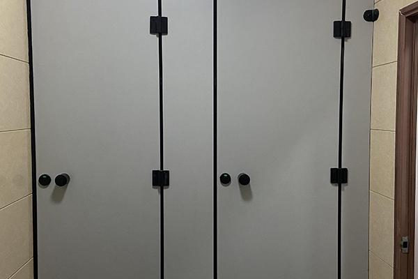卫生间双门隔断