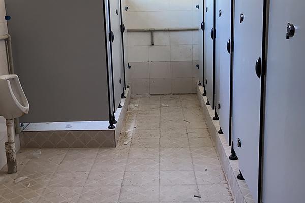 娱乐城厕所隔断