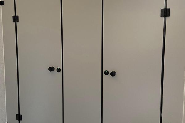 卫生间抗菌隔断板