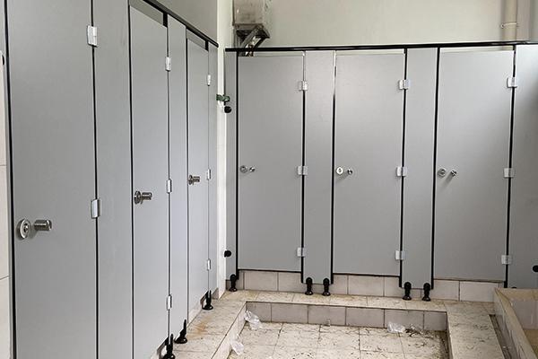 卫生间耐撞隔断板