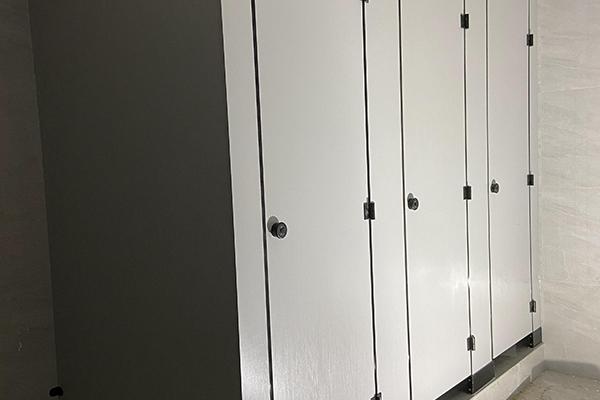 厕所隔断门