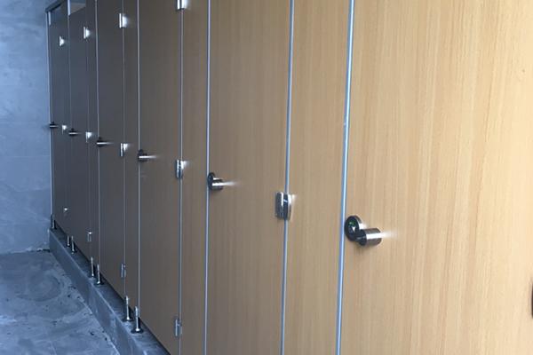 卫生间塑料板隔断