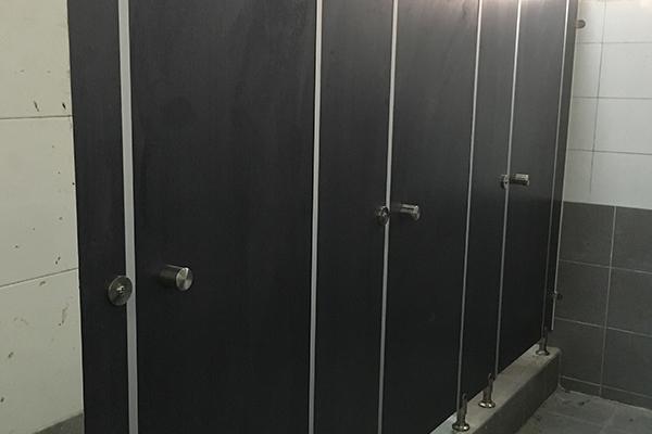 KTV卫生间隔断