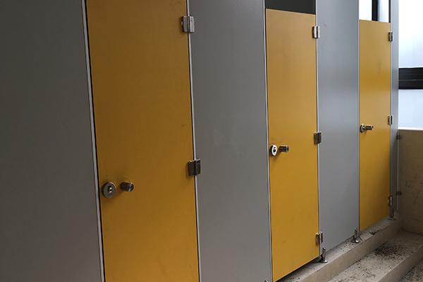 铝蜂窝板卫生间隔断