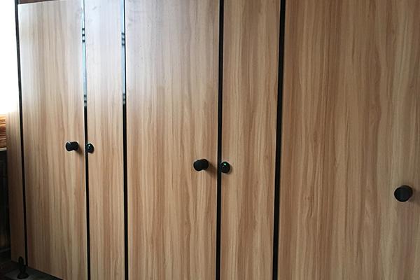 铝蜂窝板隔断卫生间
