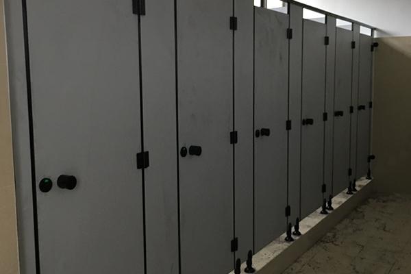 铝蜂窝板公共厕所隔断