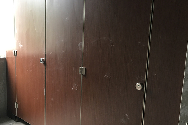 防潮板隔断卫生间