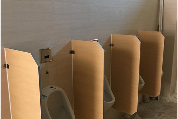 尼龙隔断卫生间