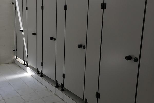 不锈钢隔断卫生间