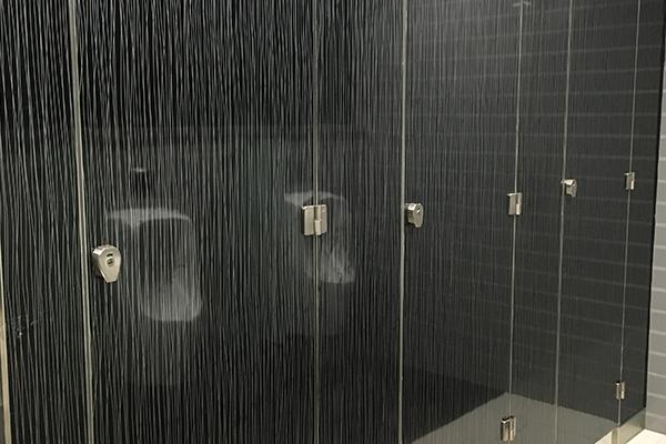 不锈钢隔断厕所