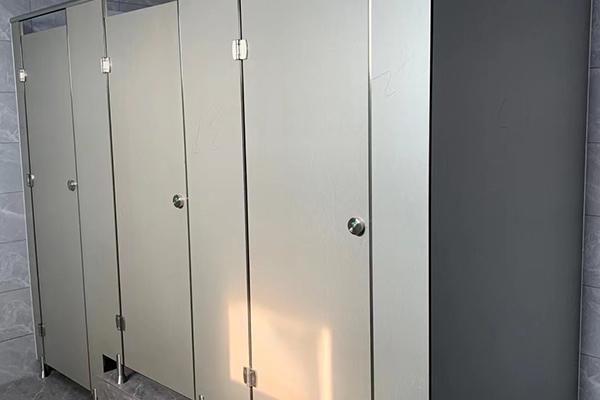 卫生间隔断