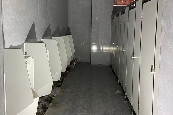 铝蜂窝板公厕隔断