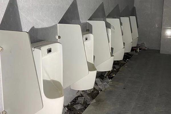 公园公共洗手间隔断