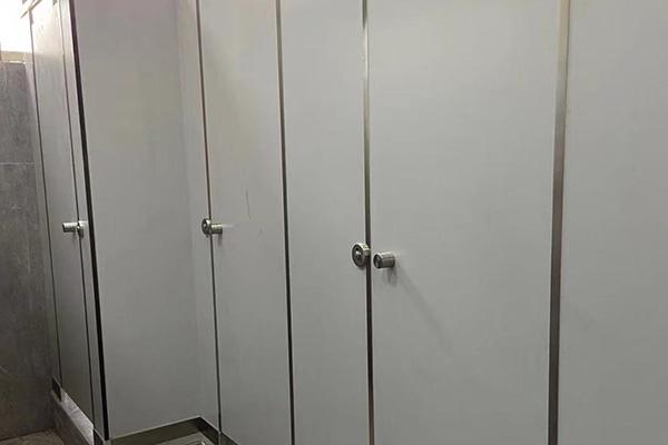 pvc隔断洗手间