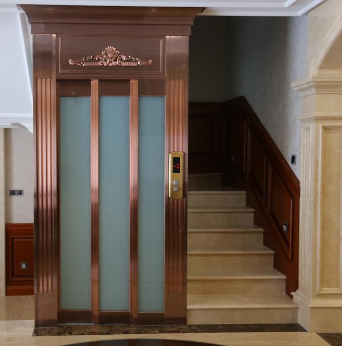 为何拿手挡别墅电梯门,会不关门?