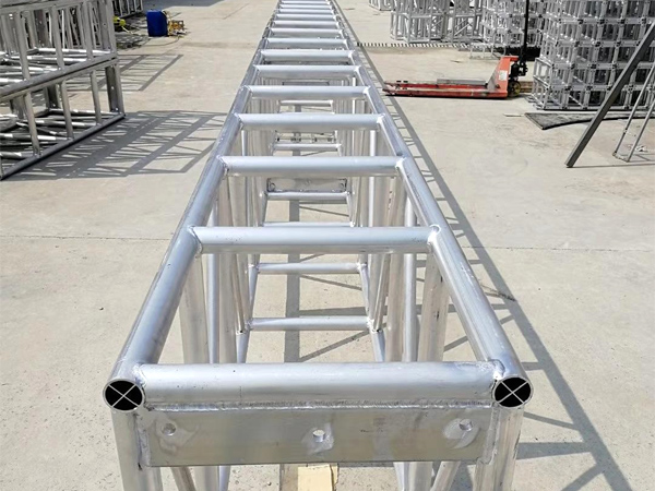 云南舞台桁架搭建过程中需要留意的搭建技巧有哪些?桁架搭建技巧介绍