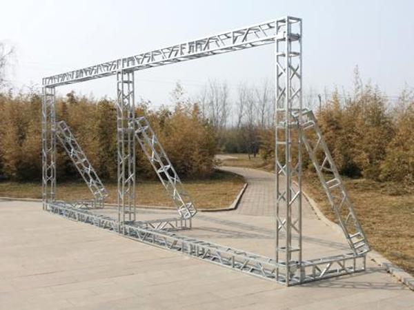 為什么昆明舞臺桁架搭建廠家提醒購買舞臺桁架時盡量自己親自看看